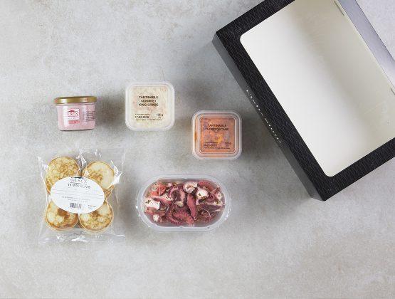 Box contenant des produits phares pour un apéro